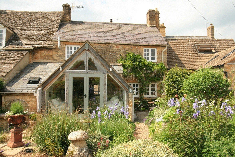 Дома в англии цены недвижимость в дубае коммерческая