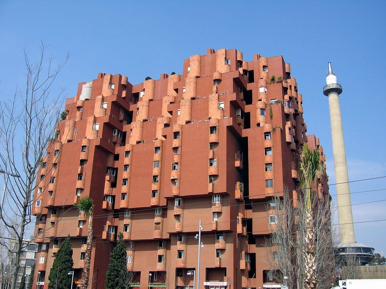 Страшнее некуда. Самые некрасивые здания Испании | Фотография 3 | ee24