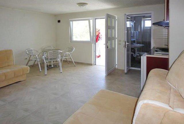 Самые дешевые квартиры в черногории студия в болгарии