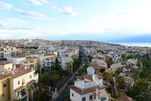 Пока доступное жилье в Европе: спасаем сбережения во время падения рубля | Фотография 4