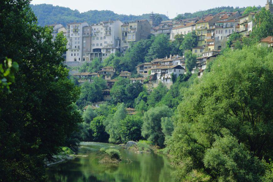 Почему англичане продают недвижимость в болгарии купить квартиру в испании цены
